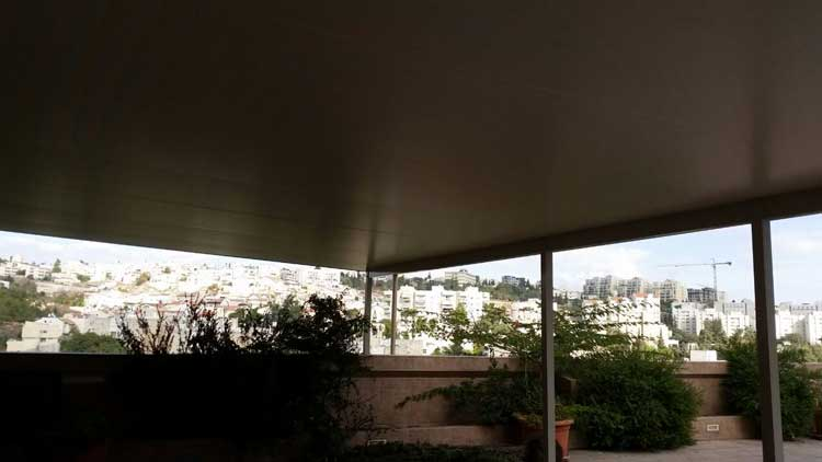 פנל מבודד לגג